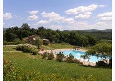 Villa singola fronte piscina - Oliveto